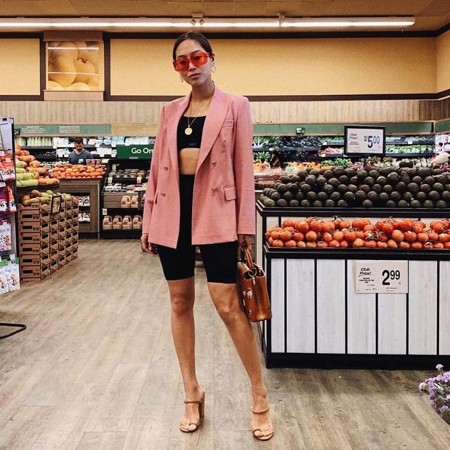 On Valentine's day, we wear pink. @songofstyle in the Brindis Heel. #rayeallday