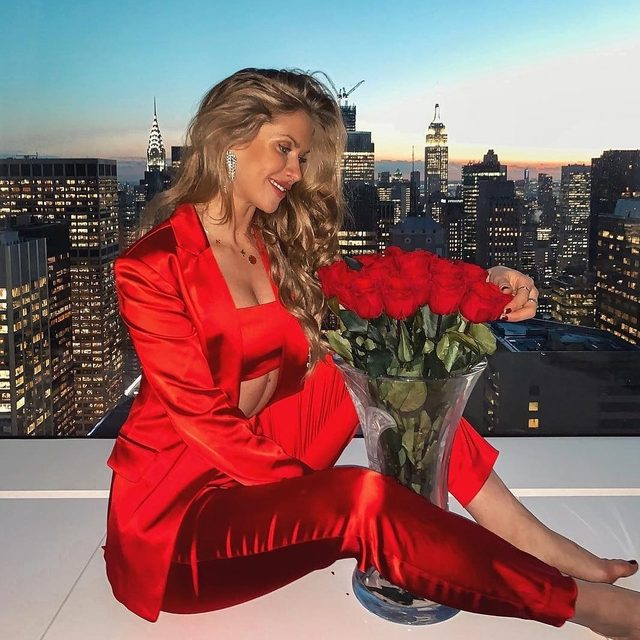 Loving Sunday ❤️ @majamalnar #red #love #suiting #MILLYchromatic
