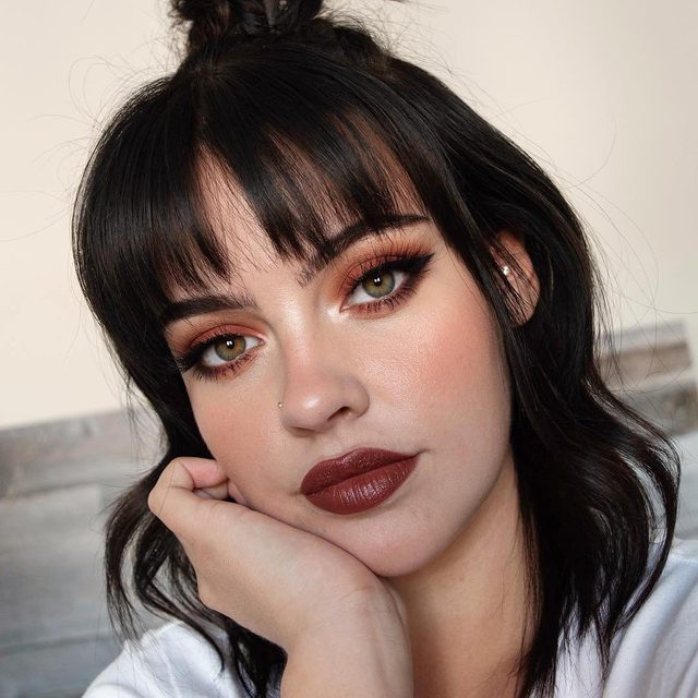 @juliaadamsmua giving us badass Snow White vibes 🍎 using our Sinful lashes to complete this edgy look - tap to see more! #VelourLashes #canadianbeauty #liveinlashes