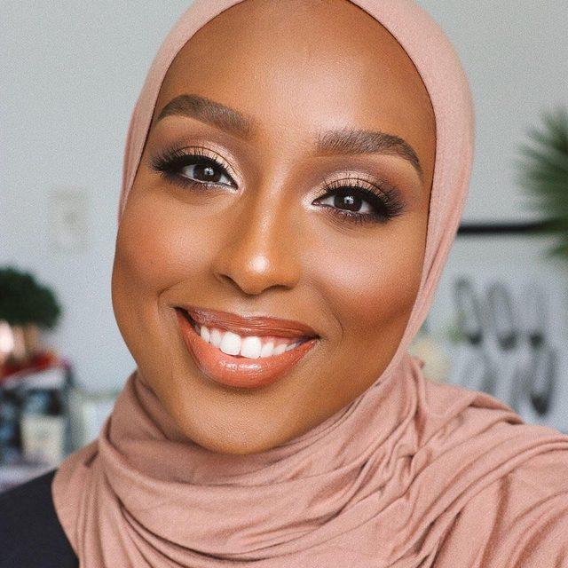 You Glow, Girl! ✨ Feeling @ayshaharun good vibes through her contagious smile and flirtatious eyes, wearing our Here To Slay lashes. Available at velourlashes.com! #VelourLashes #LiveInLashes