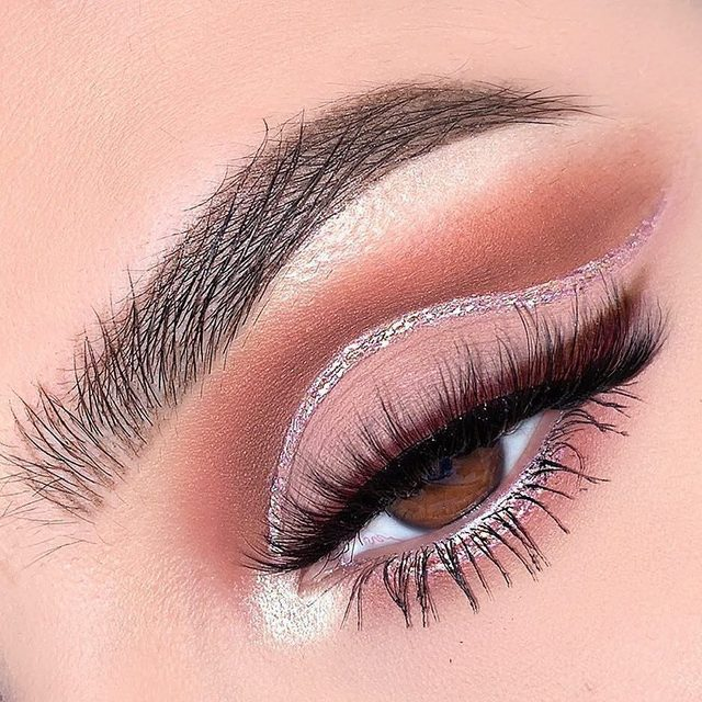 Drop a 💖 down below if you're loving this! @marisolbautistaa never ceases to amaze us with her looks, especially in this glitter cut crease, completed with our Worst Behaviour lashes! Our Luxe Faux Mink Collection is available exclusively at @ultabeauty. #VelourLashes #VelourForUlta #liveinlashes