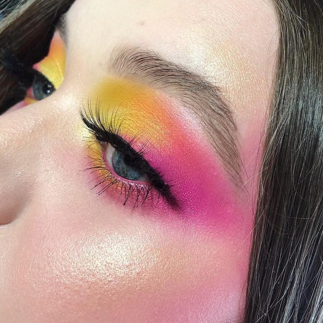 Current mood: summer brights 😍💖 🌈@ktiemrch pairs her festival-ready #eyemakeup with our Cheeky Stamp blendable blush in 02 Saucy for the perfect, pink-y glow on the apples of her cheeks -- this formula can be layered once for a natural finish, or built up for a bold 💁♀️ Grab your own Cheeky Stamp at @sephora  #kajabeauty #motd #sephora #kbeauty