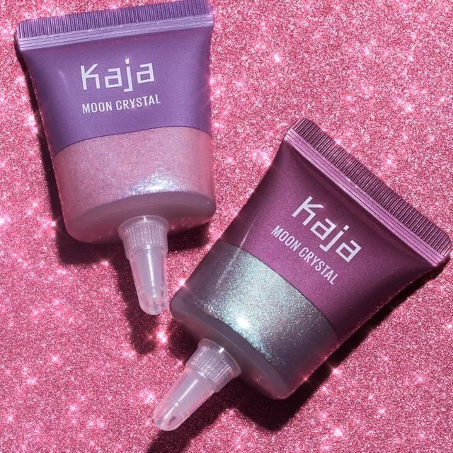 Current mood: #PURPLE VIBES ☮️🌵🎵Pop Moon Crystal Sparkling Eye Pigment (L: shade 05 Mystical) in inner corners for an unexpected pop of color, or sweep shade 07 Magic (R) across lids for a glittery effect that's out-of-this-world 👽Available online now @Sephora #KajaBeauty #KajaMoonCrystal #Festival #FestivalMakeup #Glitter #Eyeshadow #KBeauty #NewatSephora