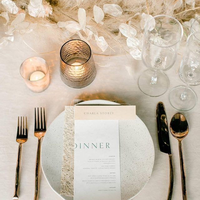 Dreamy textures ✔️ Neutral colors ✔️ Tabletop perfect ✔️✔️ Our #velvetlinen in Oatmeal from @chicandprettyevents and @mossfloral 😍🙌 Photo @charlastorey #latavolalinen #transformyourtable #neutralcolors #neutralwedding #ivorywedding #tabletoptextures #pampasgrass #velvet #linen #nola #neworleans #nolawedding #louisiana