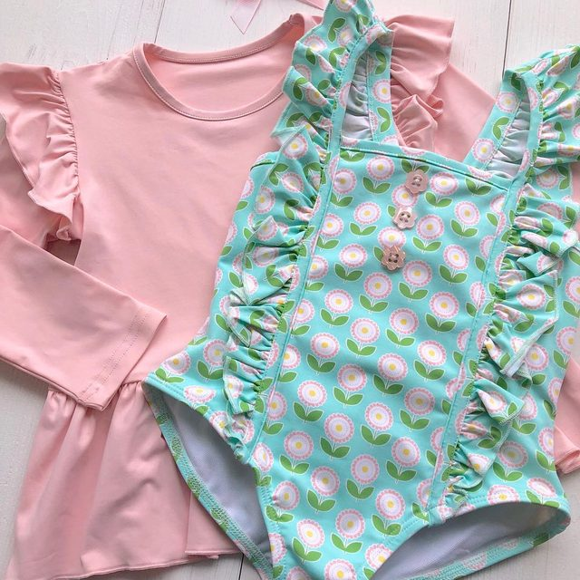 Swim top or just suit for the summertime? What does your little one prefer? 👙