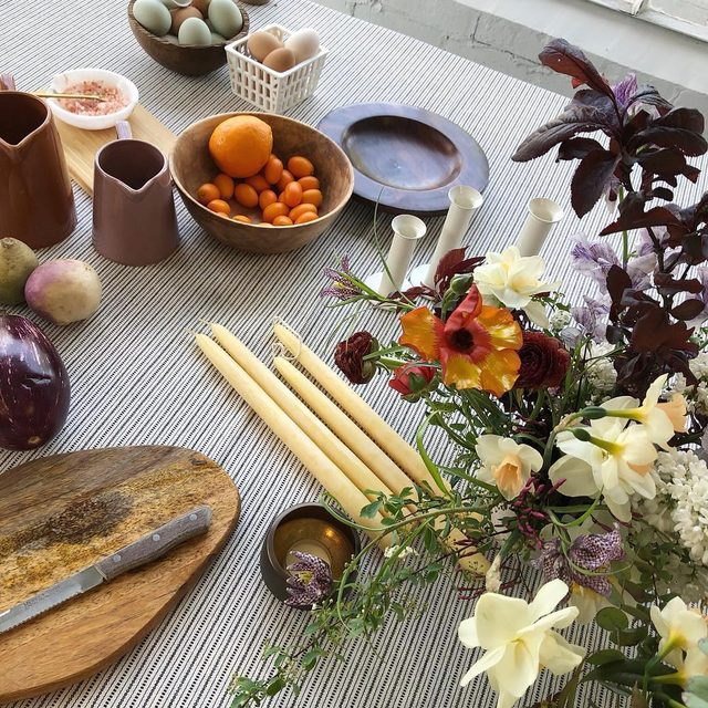 Excited for Easter this weekend and feeling inspired by this spread from @thistle.and.honey with our #prairielinen from their workshop last week 🌿🍊🕯🥚 Can't wait  to see everyone's #eastertable on Sunday! #latavolalinen #transformyourtable #easter #eastertablescape #onthetable #tabletop #sacramento #tablescape #springtable #springflowers #floraldesign #tablestyling #eventstyling