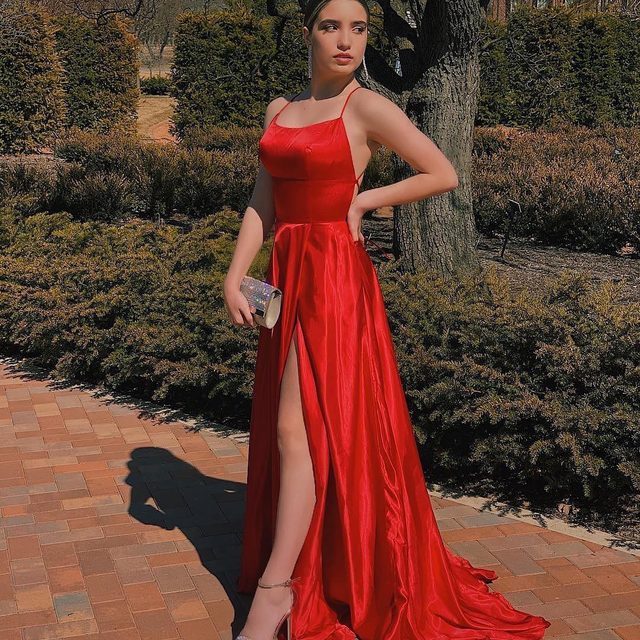 Red Prom Dresses for Short Haired People