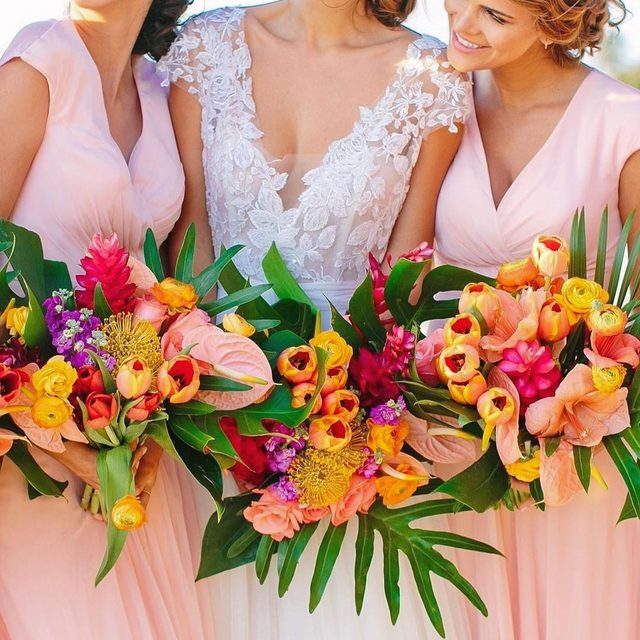 We didn't forget about the @pantone color of the year - Living Coral! It's the perfect hue to make your bridesmaids' bouquets pop! ✨  Photo: @JacquiCole | Planning: @tropical_os | Floral Design: @vanessajaimesfloraldesign | Bridal Fashion: @kleinfeldbridal | Bridesmaid Dresses: #kleinfeldbridalparty #kleinfeldxtulum