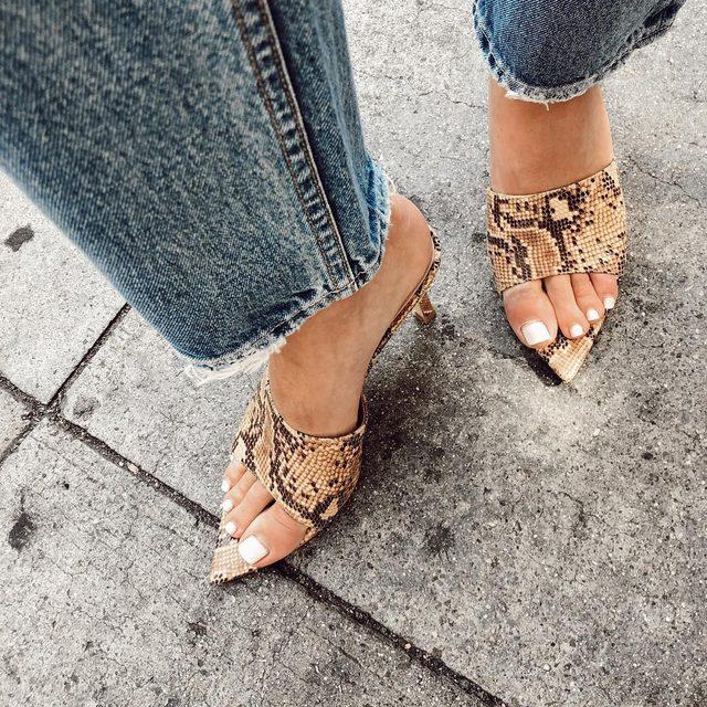 Walk it like I talk it. Shop the Evan Heel. #rayeallday