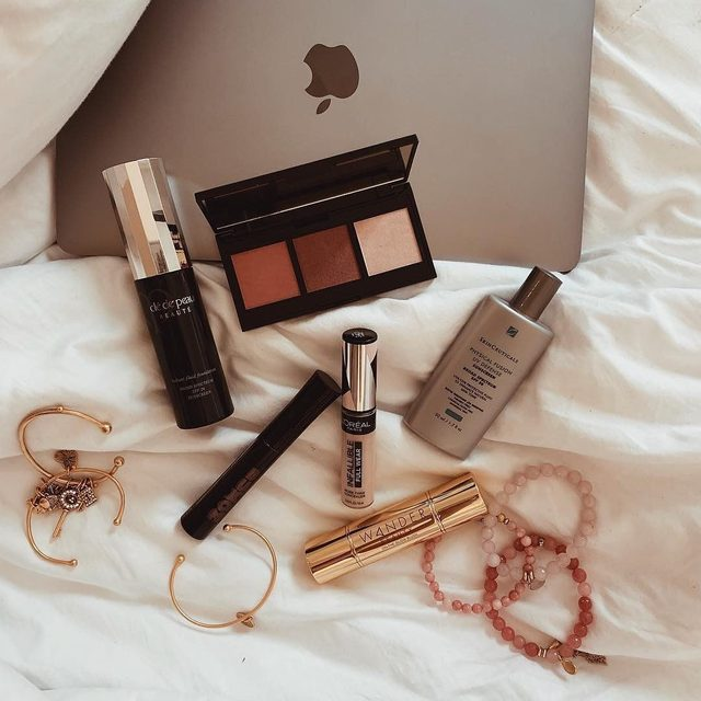 What are some of your daily necessities? Tell us below! @adaatude 's go-tos include Multi-Tasking Cream to Powder Trio.  #blush #makeup #musthaves