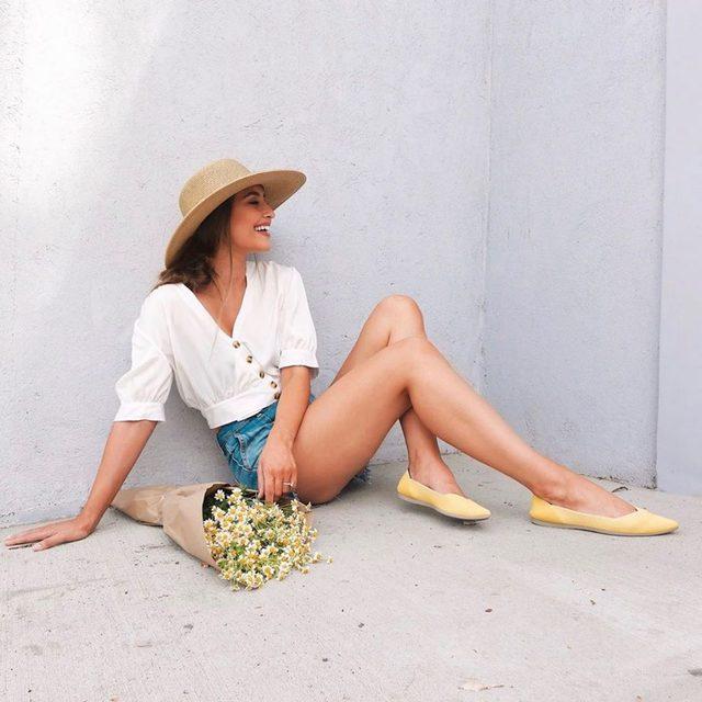 Alexa... play Walking On Sunshine by Katrina and the Waves. ☀️📷 @kristinjohns #rothysinthewild
