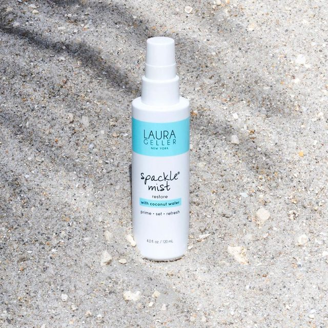 Spackle Mist Restore with coconut water has us dreaming of the summer. #spackle #summerfriday #spritz #mist #primer