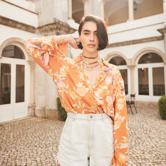 orange you glad its friday 🍊@brittanyxavier wearing @songofstyle Mari blouse - tap image to shop! #revolvearoundtheworld #songofstyle