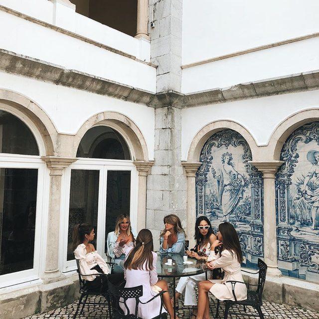 sisterhood of the traveling SOS ❤️ #revolvearoundtheworld #songofstyle