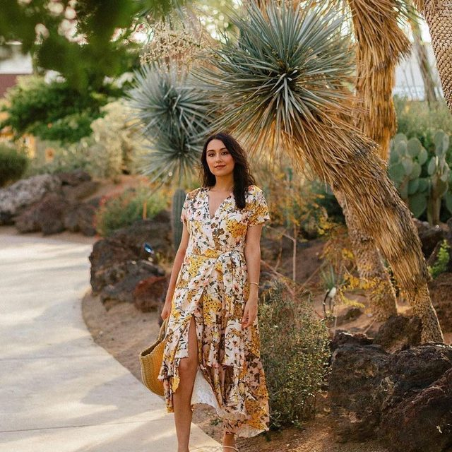 @saratoufali is looking Spring ready in our Batara Dress! PS… it's on sale! Tap to get it while you can!