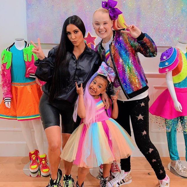 Jojo Siwa is 16 years old today, and we hope her birthday is as good as North West's day was here. 🎀(📷: @itsjojosiwa)