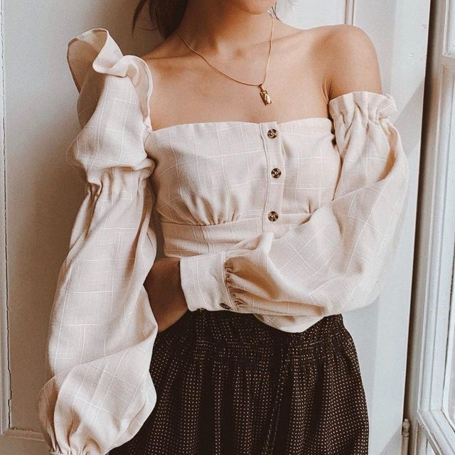 forever in love with this top ❤️ @lilymaymac in the @songofstyle emery top - link in bio to pre-order yours now #revolvearoundtheworld