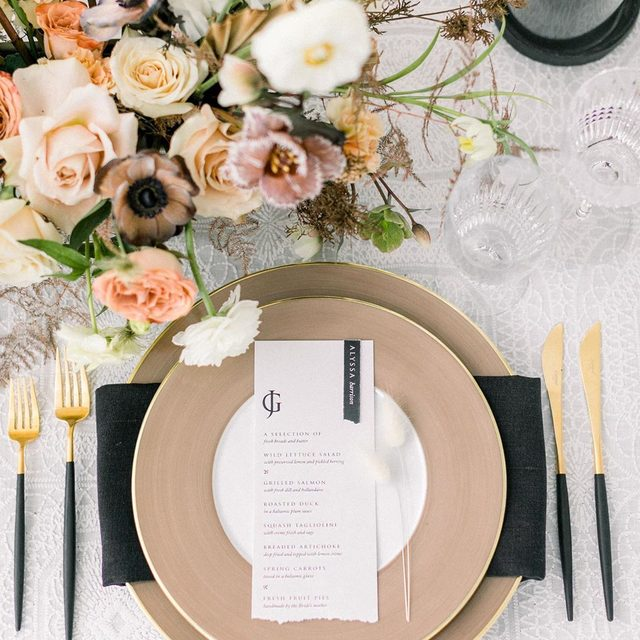 Black, tan, white and a pop of color 💕💕 Loving this set up with our #adelaidelinen from @spreadinglovely and @twfloraltruck for the @cassievalentephoto workshop 🕯 All the texture please! 📷 @catherine_leanne #latavolalinen #transformyourtable #tabletop #weddingtable #weddingdetail #sanfrancisco #sfwedding #whitewedding #soloverly #dinnerparty #weddingphotography