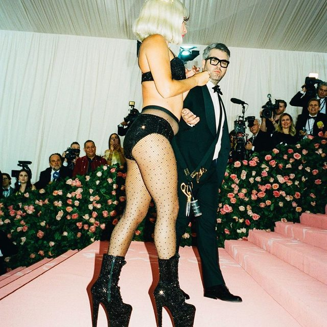 @brandonmaxwell has received the Womenswear Designer of the Year prize at the #CFDAAwards (pictured here with @LadyGaga at the 2019 #MetGala). Tap the link in our bio for all of tonight's winners. Photographed by @mehdilacoste_