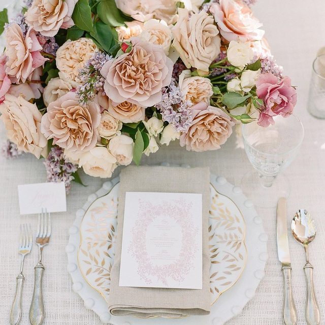 Pure magic from @kalebnormanjames and @maria.lamb at #lecollectif #lecollectif19 💕🌿🌸 Featuring our #ritzlinen in Snow and #tuscanylinen Napkins in Natural 📷 @theganeys #latavolalinen #transformyourtable #santaynez #solvang #kestrelpark #weddingdetails #weddingday #whitewedding #pastelflowers #mutedcolors #tabletoptextures #linen #weddingeditorial #styledshoot #weddingworkshop