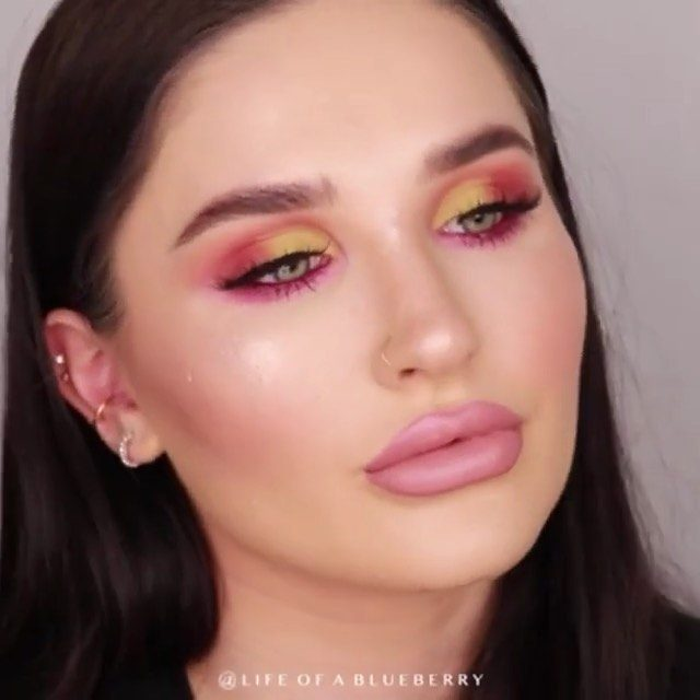 Hitting you with some summer szn glam 💖 Tap to get the look!  #Repost @lifeofablueberry - @olehenriksen banana bright primer @hourglasscosmetics vanish liquid foundation in nude @nyxcosmetics_uk ultimate shadow palette in Phoenix @hudabeauty limelight #hudabeautymeltedshadows @flormarireland_uk push up definition mascara @velourlashesofficial doll me up lashes  @fentybeauty #profiltrconcealer in 185 @flormarireland_uk loose powder in light sand @marcjacobsbeauty fine wine eyeliner @benefitcosmeticsuk cheerleaders face palette @narsissist super radiant booster @morphebrushes bae lip pencil @ofracosmetics nude potion liquid lipstick