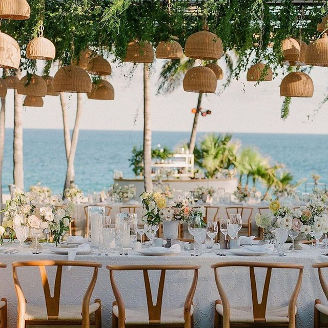 @alison_events does it again! 😍😍😍 How breathtaking is that view?!? An amazing #wedding in #mexico with our #pearldroplinen featured on @brides 🌿 Design and Planning @jessetombs @ruthskidmorecongleton @alison_events Florals @pinacate0202 Photography @megsmithphotography #latavolalinen #transformyourtable #whitewedding #destinationwedding #eventplanning #sanjosedelcabo #beachwedding #seaside #soloverly #wishbonechair #planningawedding #gettingmarried