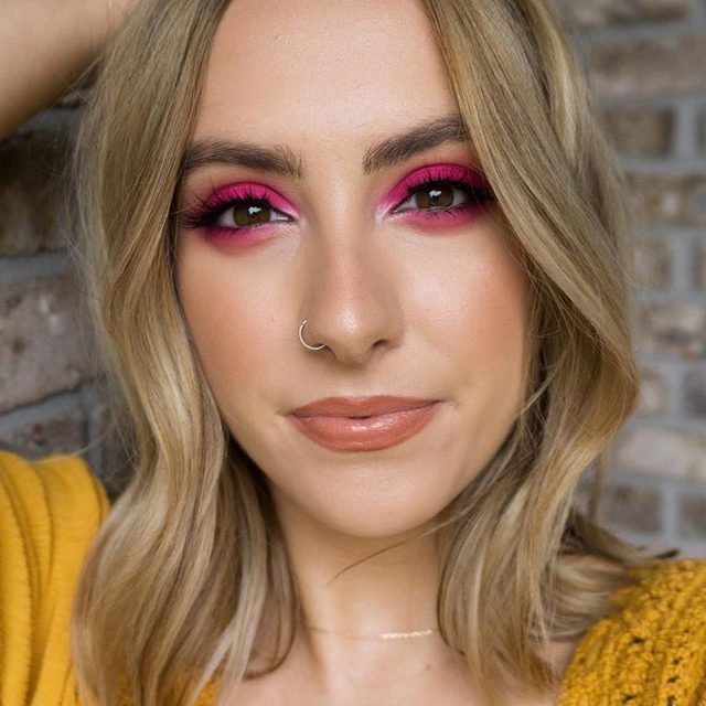 Love the way @savannnahgb plays on the wild side with this vibrant look, paired with our Serendipity lashes. ☀️ How do you like to change up your look for warmer weather? Share with us below!  #VelourLashes #summermakeup #motd #liveinlashes