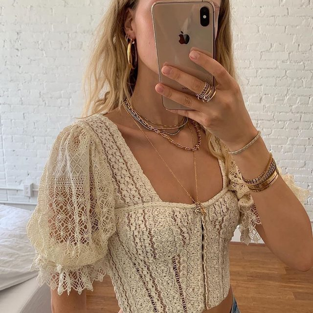 A pretty strong case for lace 😍 @mvb