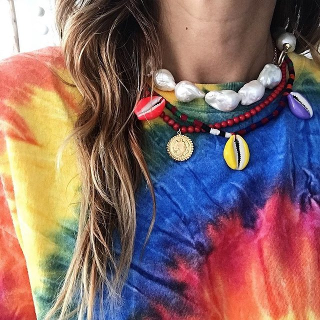 Necklace layering 101: play around with color, texture, and shine @maisonirem ⚡️
