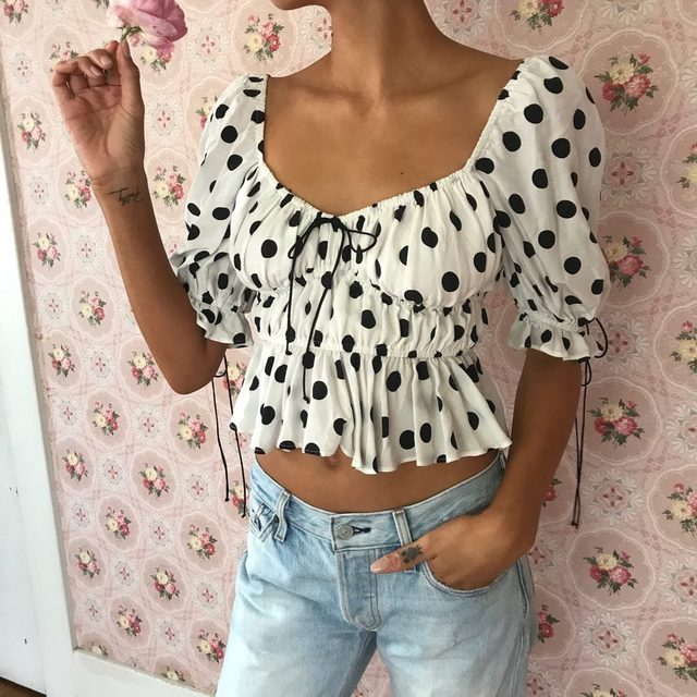 The Mochi Summer Blouse is one of those tops you can throw on and: INSTANT CUTE | #summer19