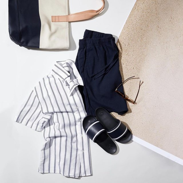 Complete your weekend  uniform with our Easy Short. Elastic waistband ✔️ Stretch-cotton fabric ✔️Garment dyed ✔️ So say yes to both comfort and looking good.