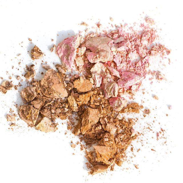 Balance-n-Glow Illuminating Foundation: 95% pigments, 5% highlighter #foundation #baked #illumination #complexion #beauty #makeup #laurageller