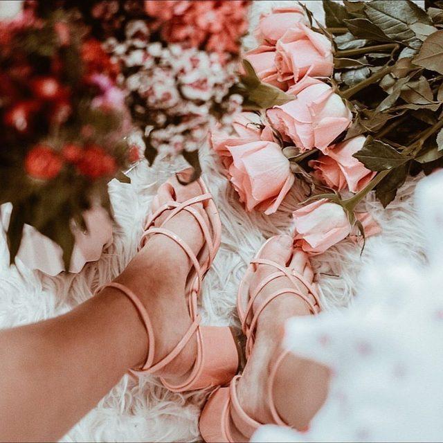 on thursdays we wear pink 💕 @shelleyannem in the Hours Sandal - link in bio to shop!
