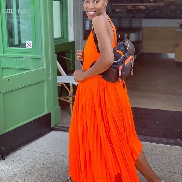 ORANGE : The color of enthusiasm, happiness & creativity 🧡 We are feeling your energy @juneambrose - gorgeous! #orange #fluorescent #summer