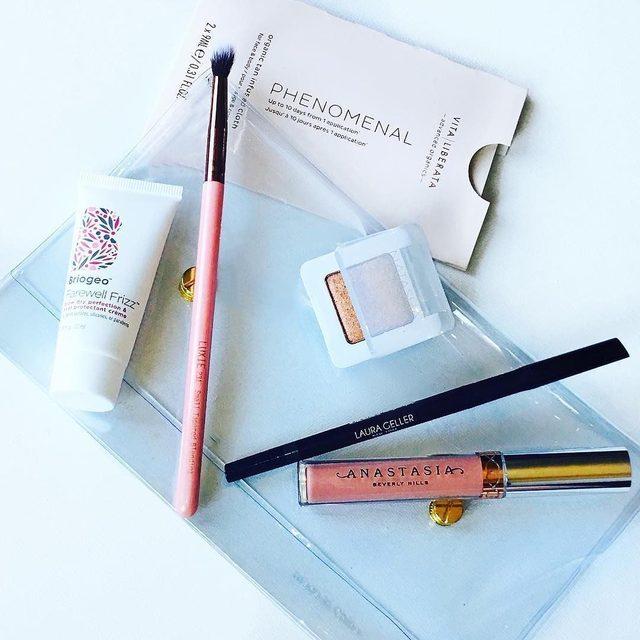 Glam bag goals ✨ Spotted our Inkcredible Waterproof Gel Eyeliner Pencil in the mix.  photo via @mandyvoss  #laurageller #beautyessentials