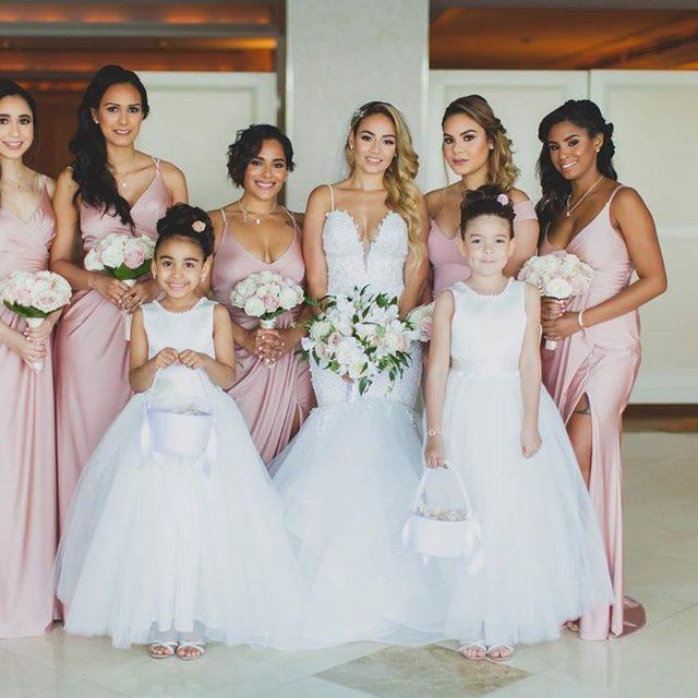 How precious is this bridal party? Perfection. 💗 #KleinfeldBridalParty  BRIDE: Arleny Marte KBP DRESSES @YoursTrulyMedia  KL-200131