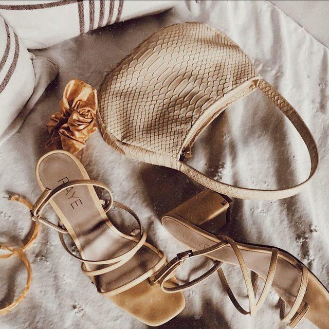 vacation mode ☀️ shop the Portland heel. #rayeallday