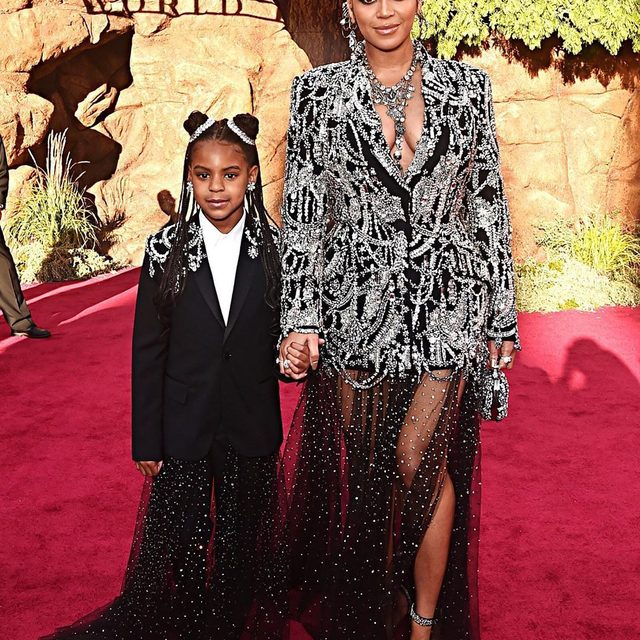 Hollywood transformed into Pride Rock last night as the Los Angeles glitterati celebrated #TheLionKing world premiere. Tap the link in bio to see all the regal red-carpet looks.