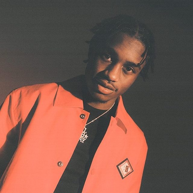 Over the course of a year, Lil Tjay went from spending his days in a youth detention center to being labelmates with Beyoncé. Get to know the Rising Artist in the link in our bio. — 📷 by James Emmerman for Pitchfork