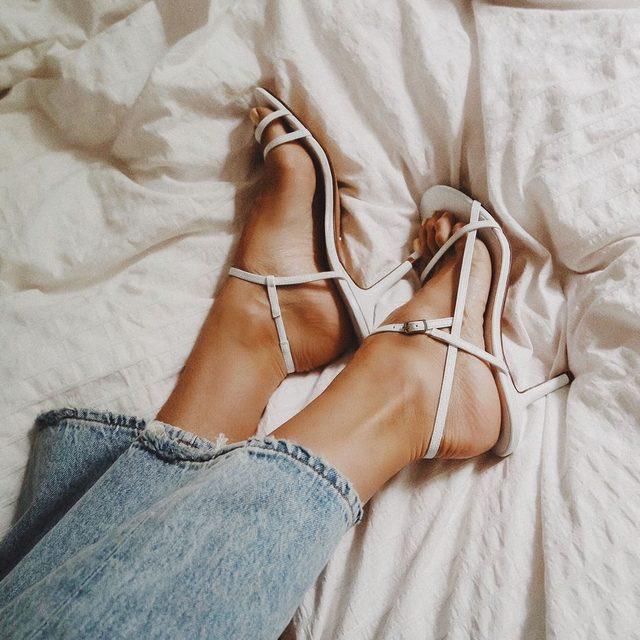 summer sole-stice ☀️shop the Riga Heel. #rayeallday