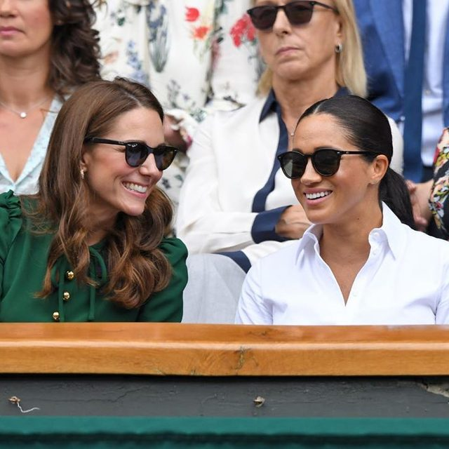 It's a duchesses' day out! #KateMiddleton and #MeghanMarkle enjoyed some sister-in-law time at Wimbledon this morning.