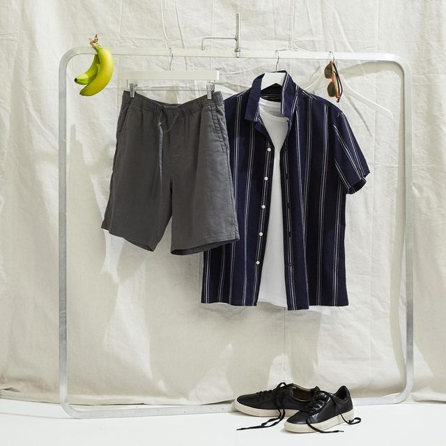 Easy shorts for an easy look (🍌 not included).