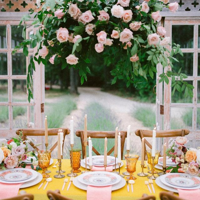 More #color for you by way of @ruffledblog and this show stopping #velvetlinen Golden table 💛☀️✨ Design @cloudcreativeevents Coordination @katiefrostweddings Florals @slowdarling 📷 @apollofotografie #latavolalinen #transformyourtable #velvet #yellow #yellowvelvet #livecolorfully #brightcolors #colorfulwedding #texaswedding #dallaswedding #quinlan #dallas #thewhitesparrow #pinkandyellow