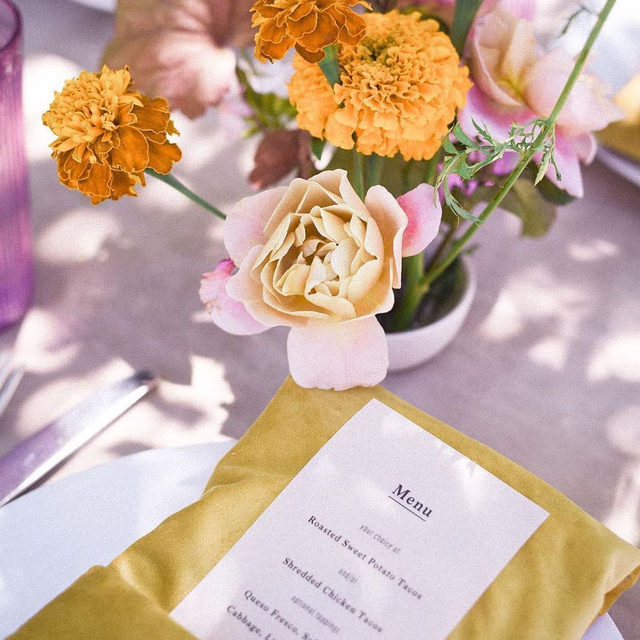 Dreamy colors and textures from @gatherist_ and @soilandstem with our #velvetlinen in Lilac and Curry napkins 🌸🍊🦄🏵 Photo @brittchudleigh #latavolalinen #transformyourtable #livecolorfully #colorfulwedding #colorstory #velvet #velvetnapkins #velvettablecloth #marigold #orangeandpurple #colorwedding #sherbertcolors #california #californiawedding #dscolor #sanfrancisco