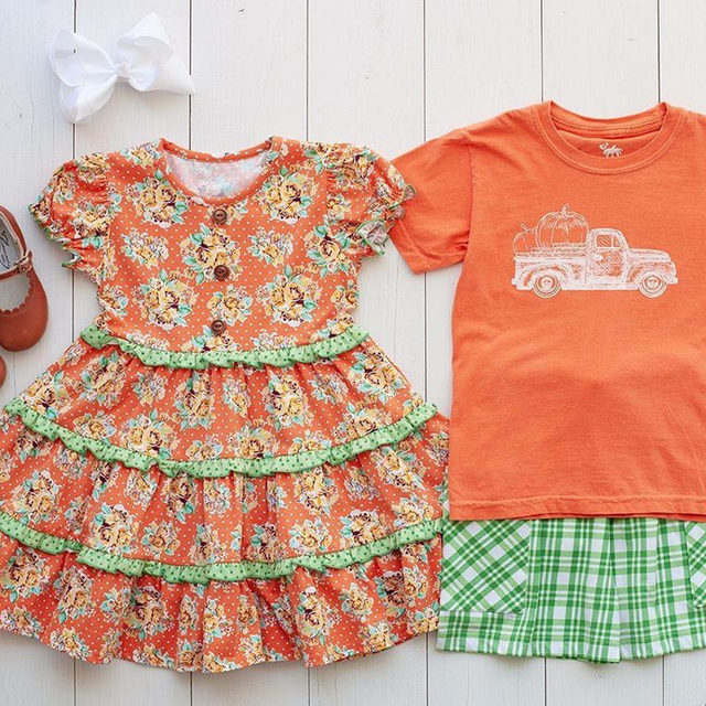 A cute little brother sister pumpkin patch outfit 🍂 & Free shipping on our website this weekend!