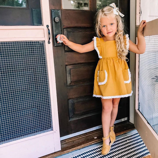 Sweet Sevi trying on some of her new fall pieces! | @thorn_cove_abode