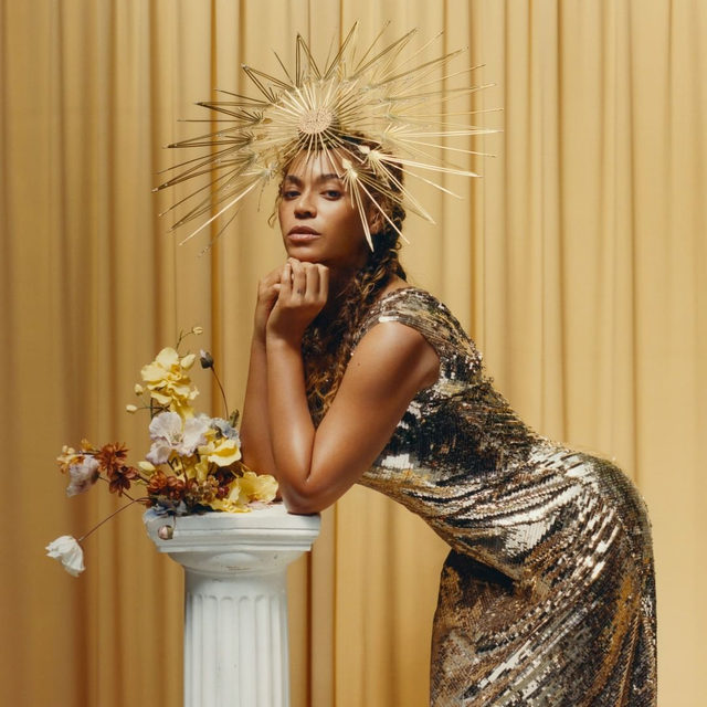 Last year, @tylersphotos photographed @beyonce for Vogue's September issue. And now, his work is getting the museum treatment: A portrait from that editorial is being acquired into the @smithsoniannpg's permanent collection in Washington, D.C. Tap the link in our bio for more details. Photographed by @tylersphotos, Vogue, September 2018