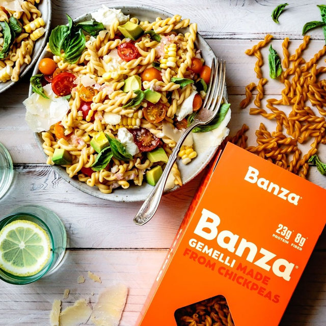 "Meet Banza Gemelli, which means ""twins"" in Italian because of its twisty, intertwiney shape. So, tag your gemello/a — aka the person you can't eat pasta without. Two winners get a case on us."