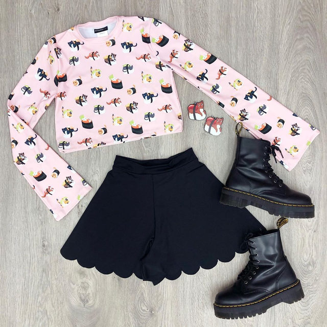 When you combine your favourite food and favourite pet all in one print 🍣 😻 #blackmilkclothing #blackmilk #bmsushicatschurchbellscroppedsweater