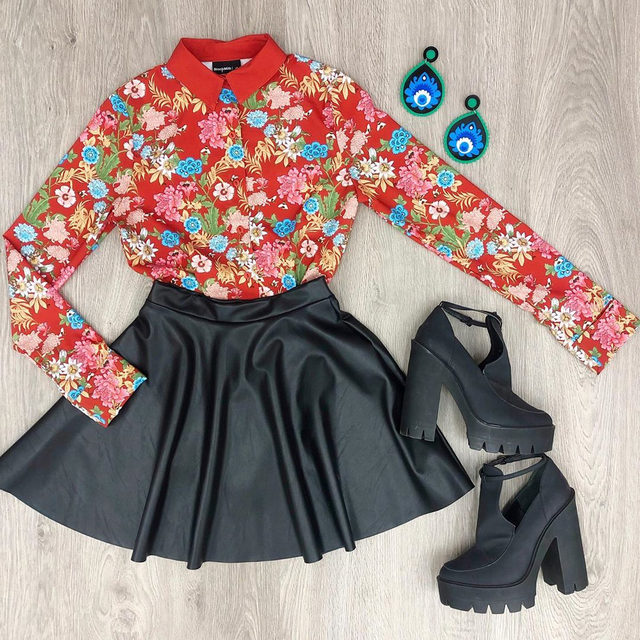 I'm living on island time ❤️ Holiday outfit goals! #blackmilkclothing #blackmilk #bmhoneygardenlsbusinesstimeshirt